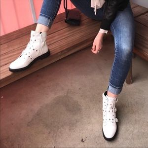 Guess Shoes - White guess boots
